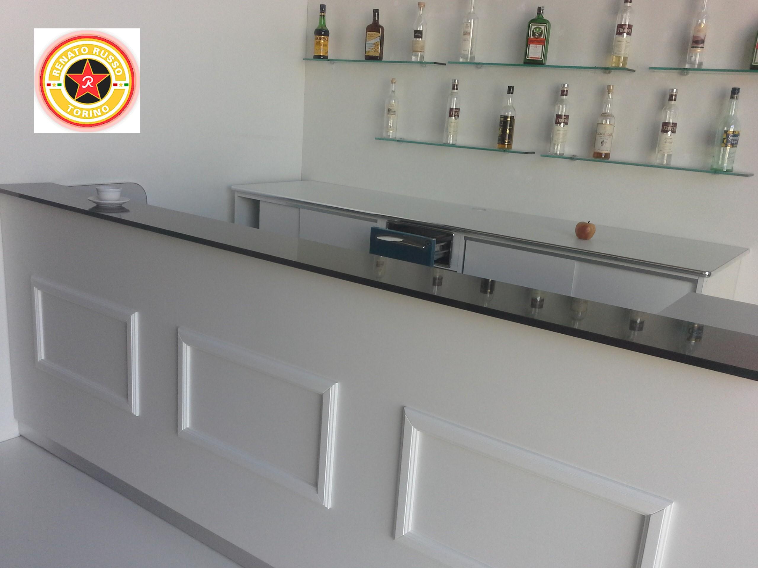 Arredamento Bar Friuli Venezia Giulia.Arredamenti Per Bar Vetrine Refrigerate Banchi Bar Da Rivestire