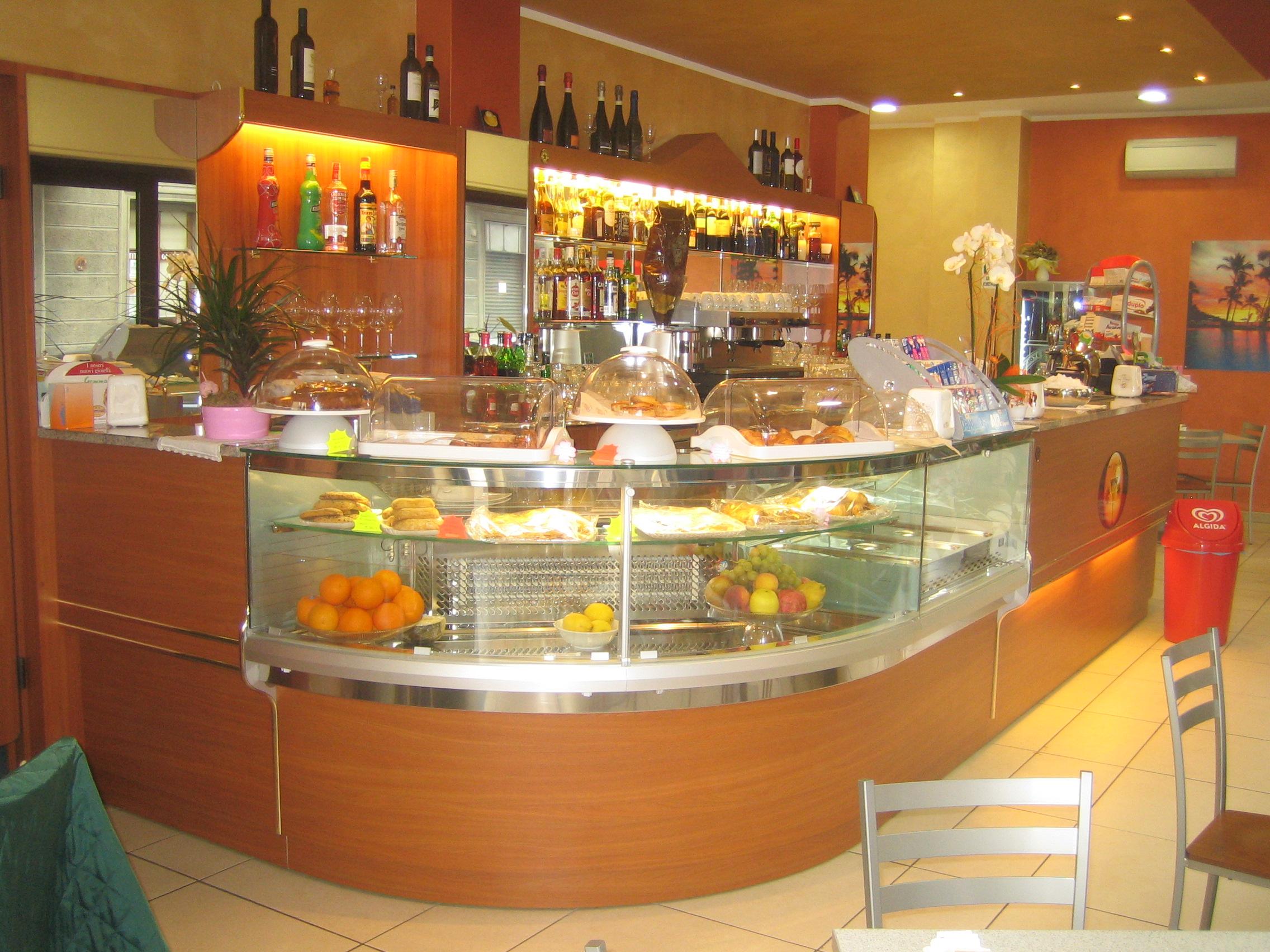 Produttori di Arredamenti per Bar, Negozi, Ristoranti, Attrezzature per Bar, Ristoranti, Banchi ...